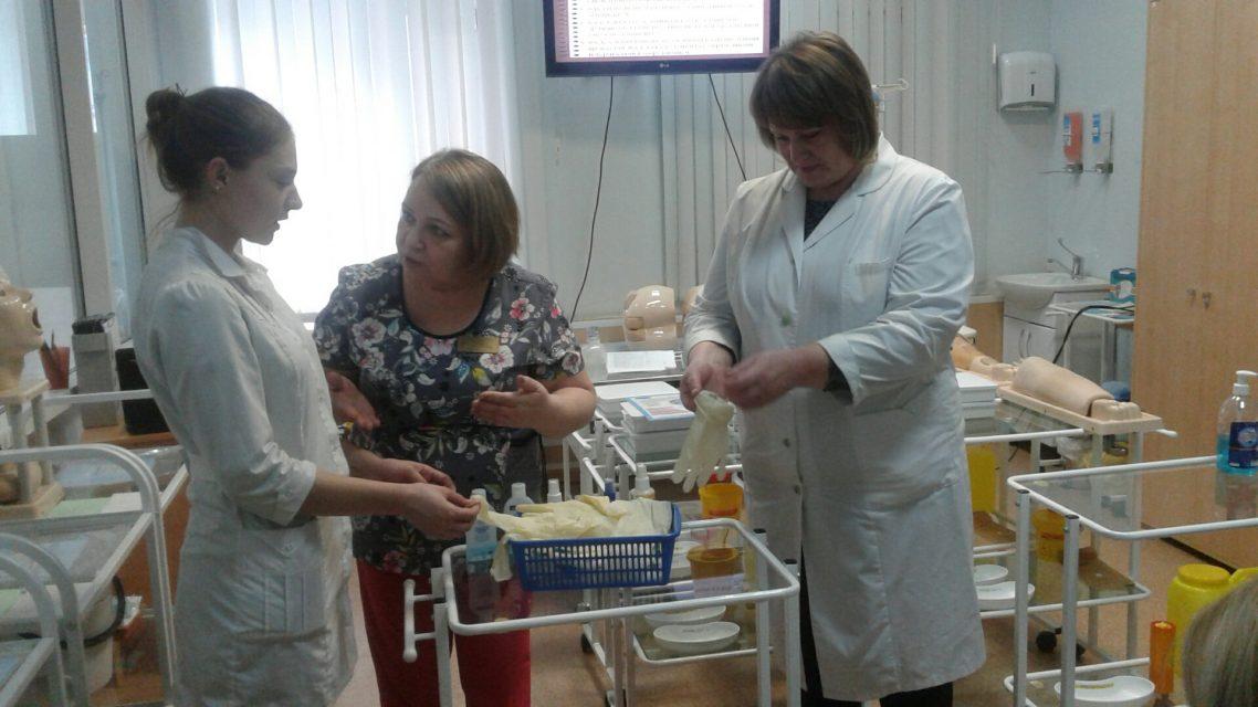 5 марта 2020 года состоялся мастер-класс по теме «Гигиена медицинского работника (гигиена рук, экстренная профилактика вирусных гепатитов и ВИЧ-инфекции при аварийных ситуациях)». Преподаватель Вершинина И.П. Обучено 6 специалистов.